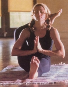 Madonna yogar